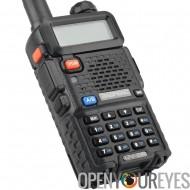 Baofeng UV 5R Walkie Talkie - large bande passante, FM Radio, LED torche, 5 à 10km de portée, longue attente, batterie 1800mAh